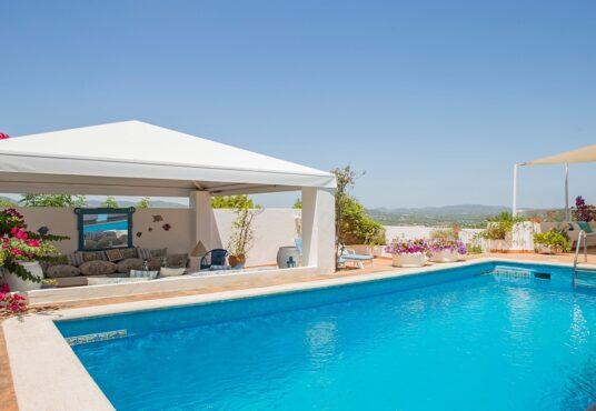 villa ibiza con piscina
