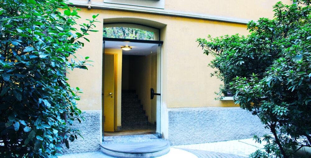 cortile via corridoni milano