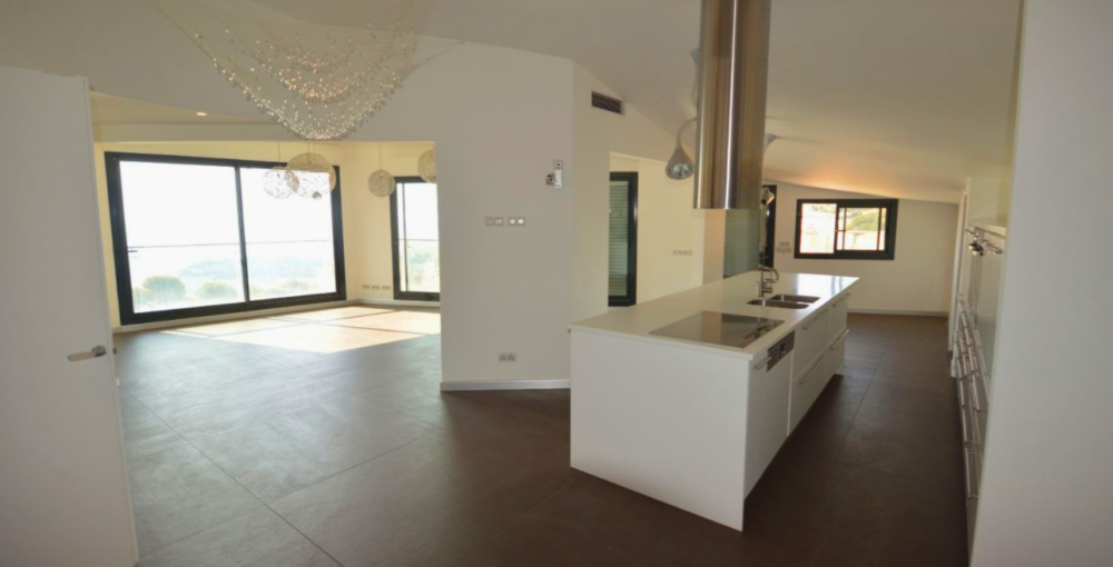 BEAUSOLEIL penthouse cucina