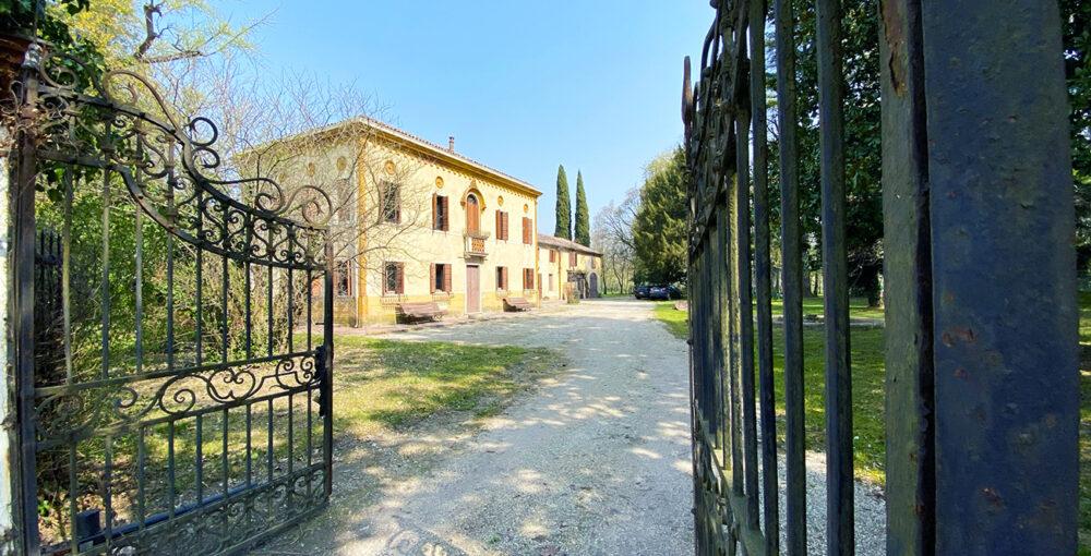 villa mogliano veneto vendita